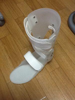 とらなんですさん[男性、49歳、東京都、手術]のアキレス腱断裂用装具