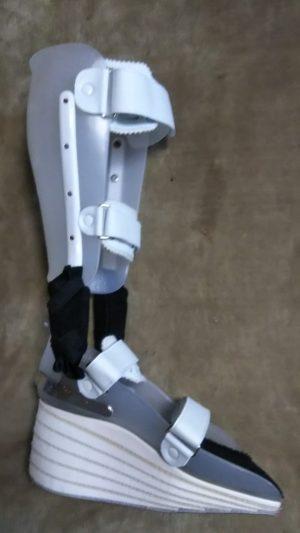 はるさん[男性、51歳、埼玉県、保存]のアキレス腱断裂用装具